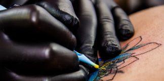 DermalAbyss: Tatuaggi biosensibili grazie all'inchiostro che cambia colore