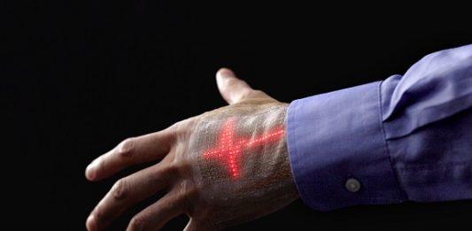 """Dal Giappone la """"pelle"""" elettronica dotata di display"""
